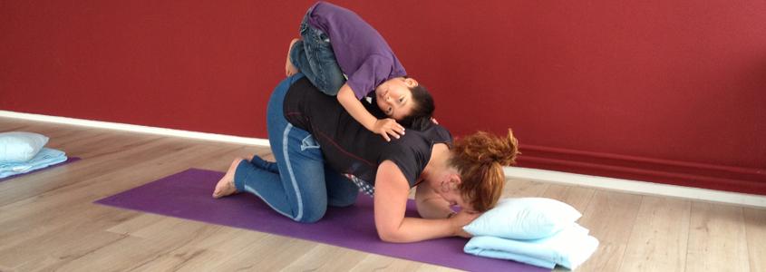 Welkombij Yoga en Pilates Den Bosch Bamboe Hart in Den Bosch! Leden van Bamboe Hart kunnen zich aanmelden op www.momoyoga.com/bamboe-hart/ Niet leden met interesse kunnen me mailen op info@bamboehart...